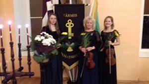 Valsts svētku koncerts Vārmes pagastā